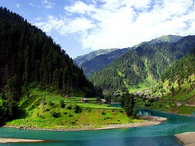 Golden Kashmir Srinagar – Pahal Gam – Gulmarg for 05 Nights/ 06 Days at Rs. 14,500/- from travelchacha