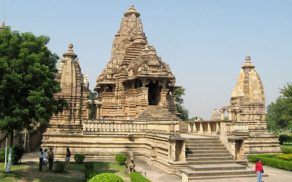 Exciting Madhya Pradesh! 8 Days Tour at INR 22,999 By Make My Trip