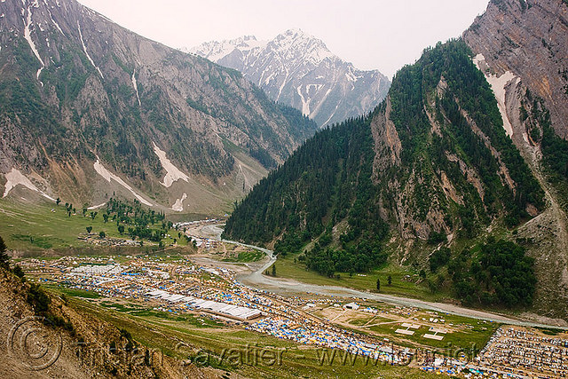 Amarnath Yatra with Flights 4 Days Tour at INR 27,999 by Make My Trip