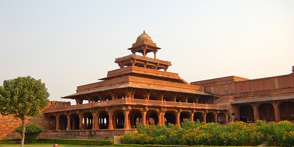 Golden Triangle By Train Tour 6 Days Package By Indian Tour Sites