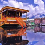 Dal Lake houseboat
