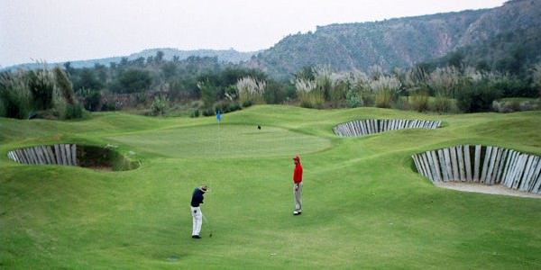 Golf and Beach Tour 8 Days Package By Indian Holidays