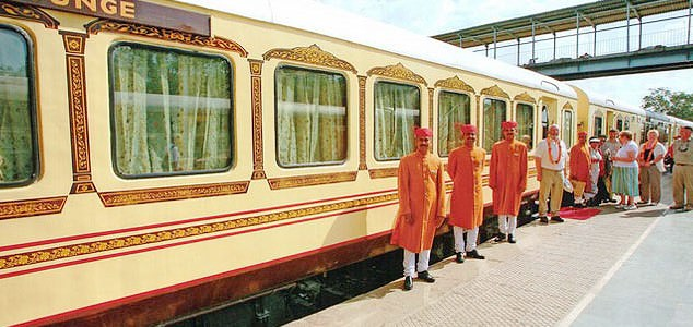 Palace On Wheels Tour 8 Days Package By Indian Luxury Trains